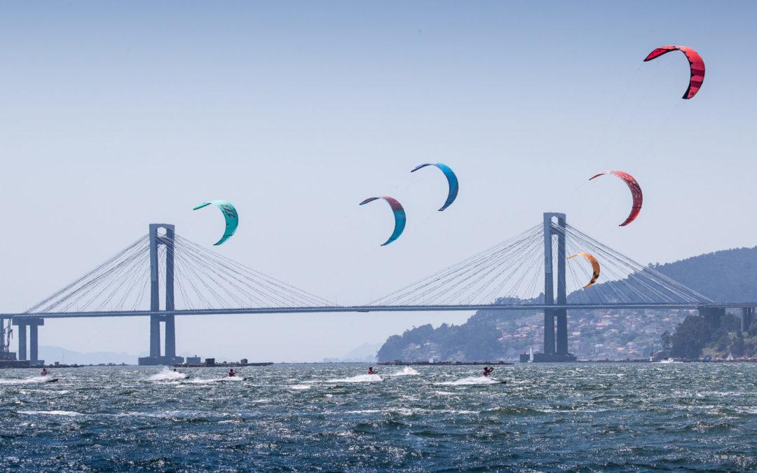 El TMKiteClub estrena la temporada de kitesurf en Cesantes